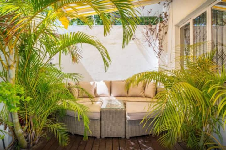 En-suite With Separate Entrance in Green Point