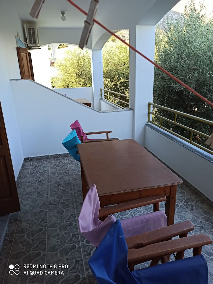 Stefanos nice apartments with pool close to beach
