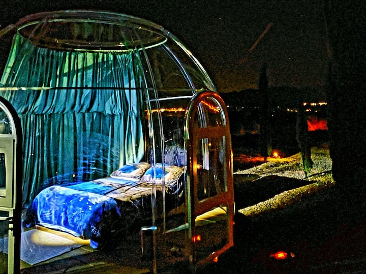 Cozy Bubble Room Under the Night Sky