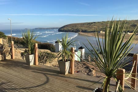 Stunning Sea Views from The Apartment by The Beach - Perranporth - Lakás