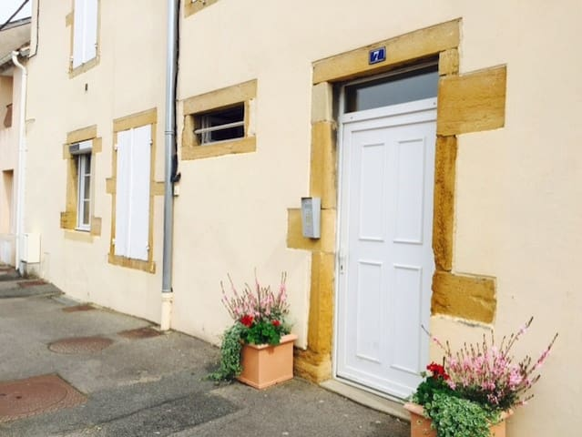 Appart 46m2 loc.saison. entre cent. ville- M.Liron - Paray-le-Monial - Apartment