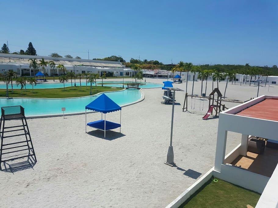 Casa piscina tipo playa ibiza beach residences casas - Piscina tipo playa ...