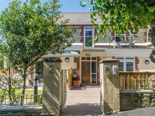 Bay Apartment - UKC3961 (UKC3961)