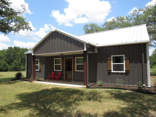 Country Comfort - Built in 2016! Near Lake Fayette