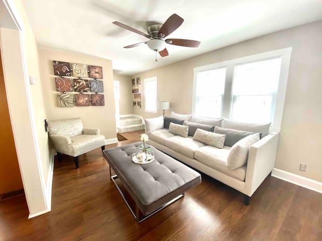 Stylish&Modern Apartment Near Fort Drum Watertown