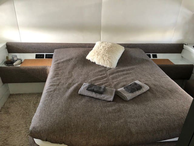 Master cabin for 2 persons.