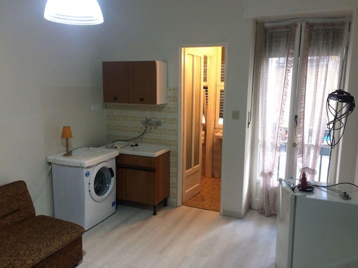 Silent independent firnished bedroom & kitchenette