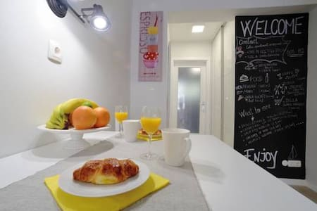 Studio Apartment Lola with free private parking