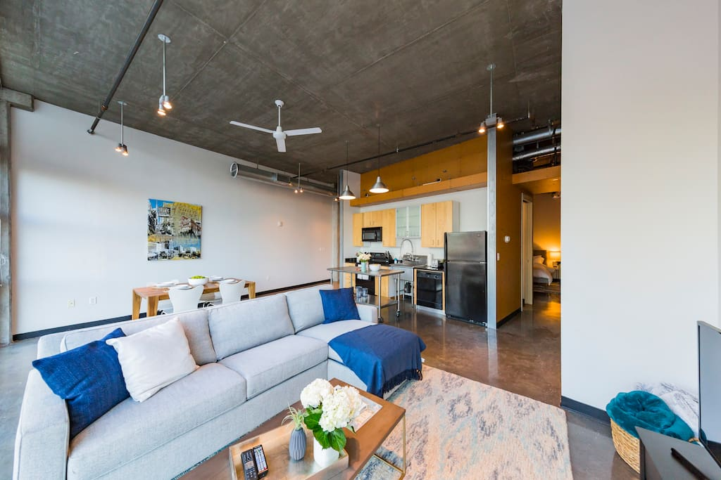"""""""Excellent location. Upscale grocery across the street. Walking distance to bars, restaurants, and retail. Short Uber anywhere you need (less than seven dollars)""""   Permit# 2017006348"""