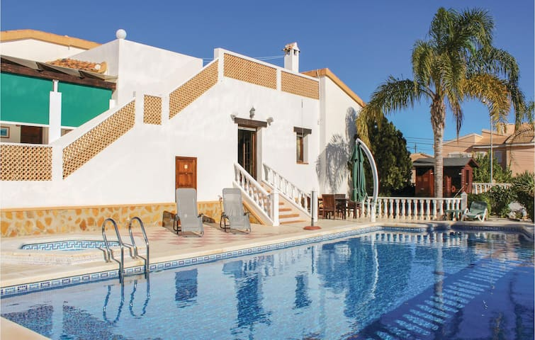 Holiday cottage with 3 bedrooms on 150m² in Rojales