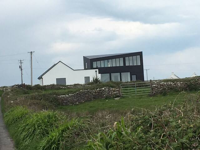 Contemporary Luxury Cottage near Cliffs of Moher - Liscannor - House