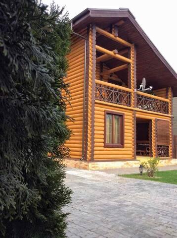 Уютный семейный дом в Боровом на реке Волга