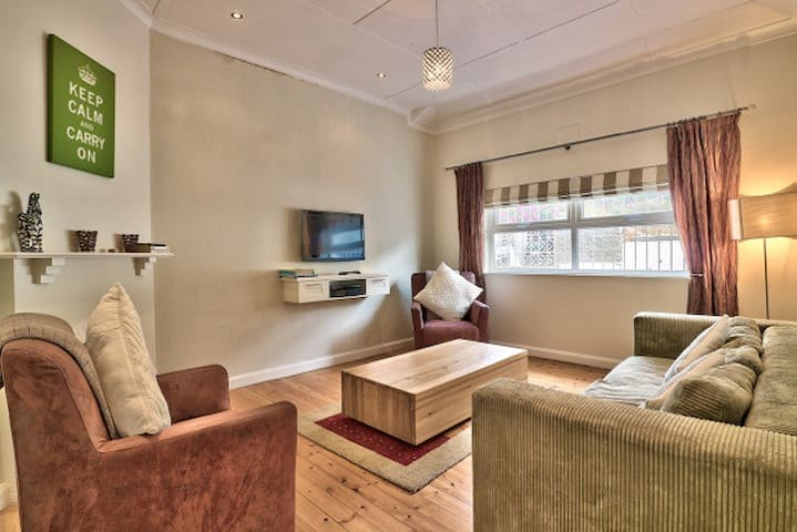Beautiful 2 bedroom near Waterfront & Promenade