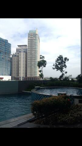 Roomy  condo unit in Nuvocity. - Quezon City - Hus