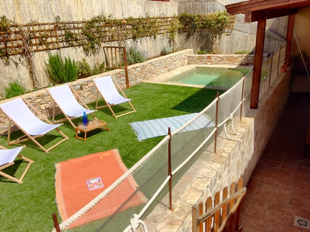 Lovely house with swimming pool in Begur center