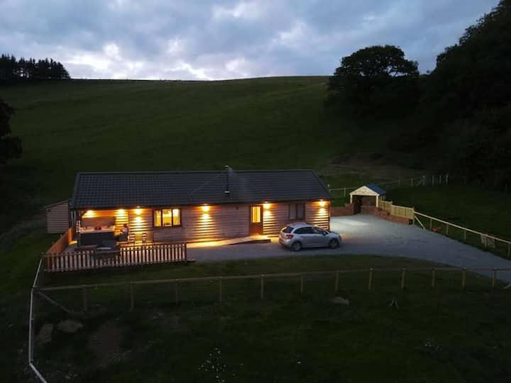 Ploony Hill cabin