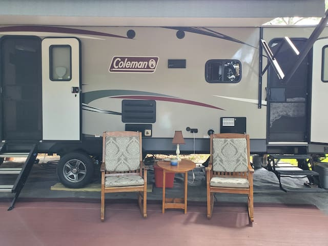 Glamping camper that sleeps up to 10.