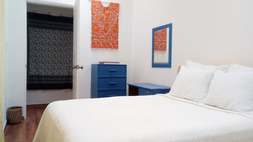 Mexican Style room at the heart of Condesa!