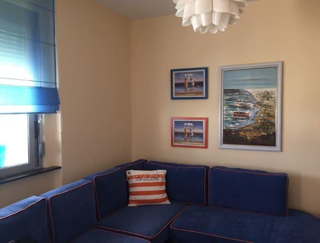 Nice apartment with sea and mountain view - Orikum - Apartament