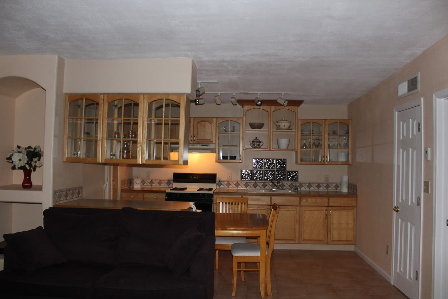 Casita kitchen and living room