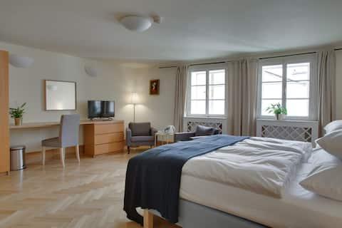 Mostecká 12 Residence: Quiet & Sunny