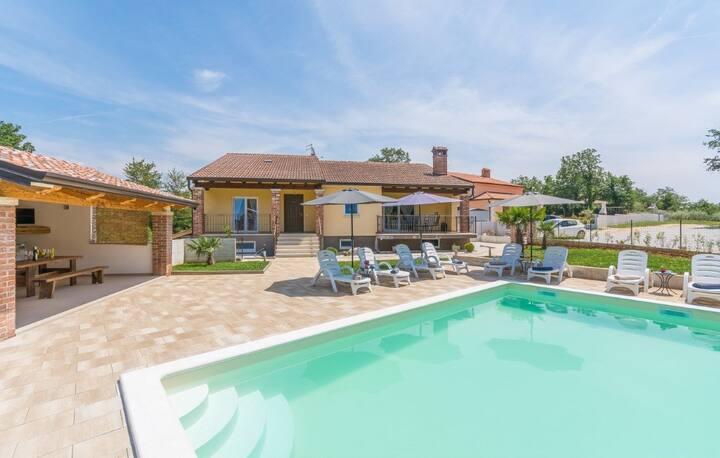 Villa Tijana