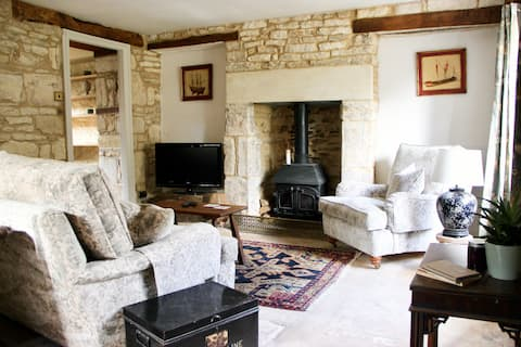 Characterful Cottage in the Cotswolds