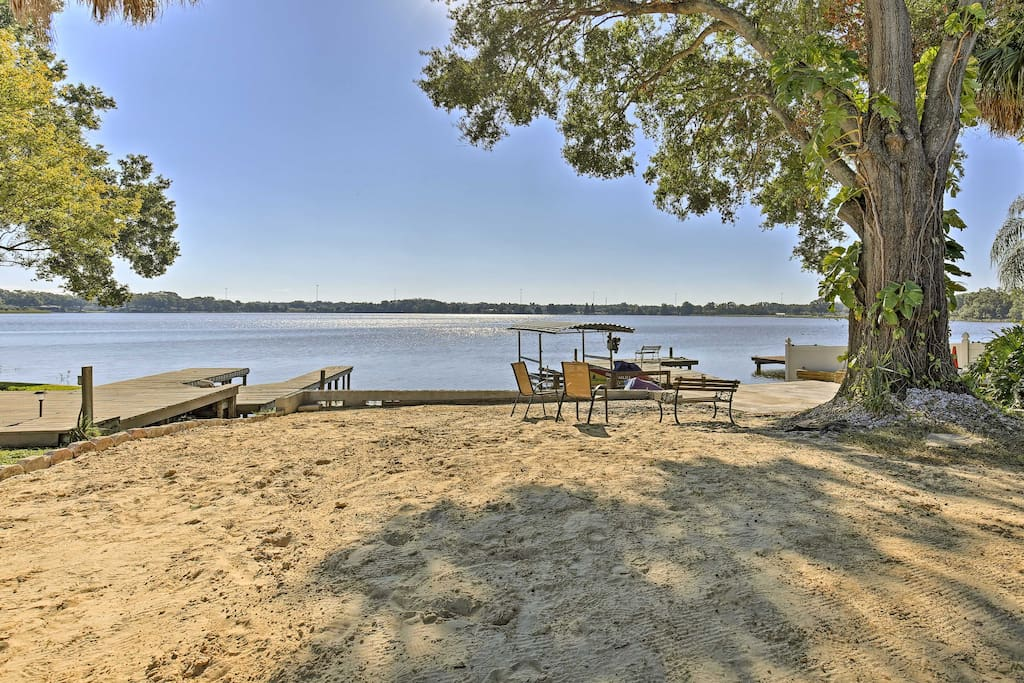 You'll enjoy waking up to sunrises over the lake while staying at this waterfront property.