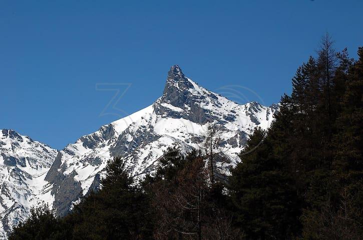 Aosta - Alloggio nel pieno verde - Fabbrica - 公寓