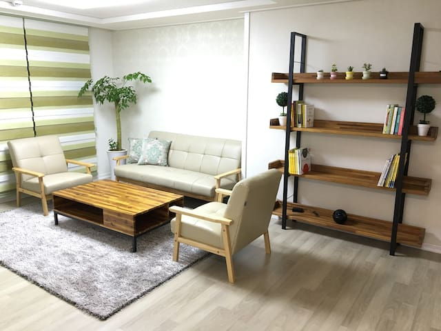 일산호수공원과 파주프리미엄아울렛이 가까운 깨끗한 새 아파트^^ - 파주시 - Apartament