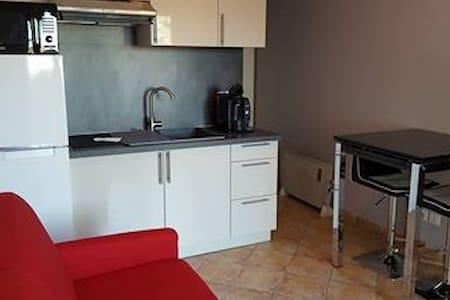 Studio meublé indépendant - Uchaud
