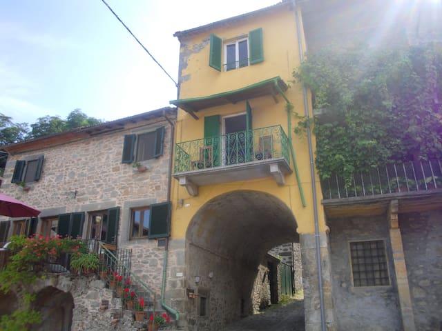 Casa Arco Gombereto