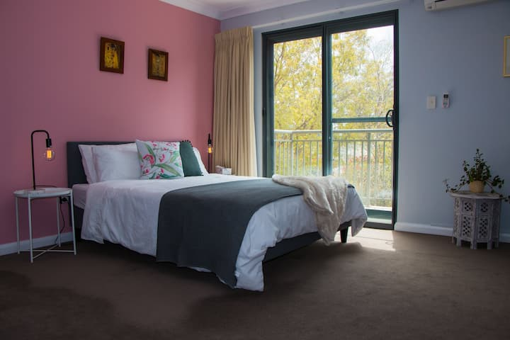 Leura Mall - Central Private En-suite Room