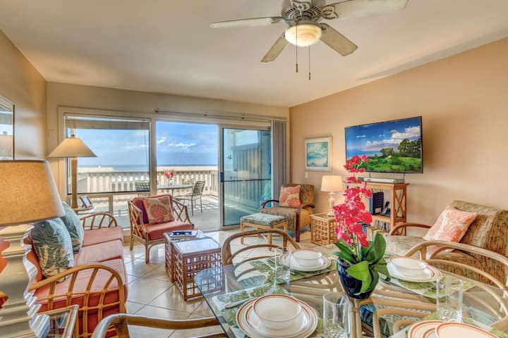 Ocean View Kahana Sunset Spacious Two Bedroom Condominium with two Lanais