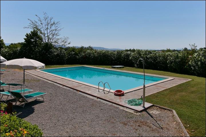 Farmhouse in Cortona with Pool, Terrace, Garden, Fireplace