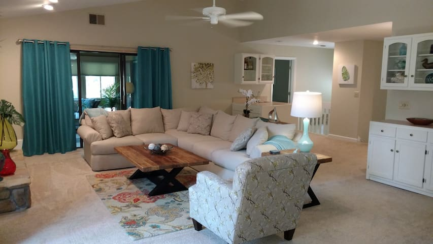 Lake Keowee Condo - Minutes from Clemson, SC