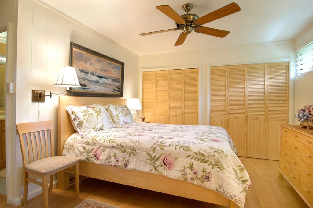 Picture of the larger front bedroom.  If needed, I can put a twin size bed in this bedroom next to the existing bed.