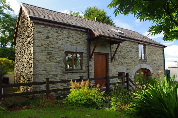 Hen Stabl: Romantic cottage with Wonderful Views - Pembrokeshire - House