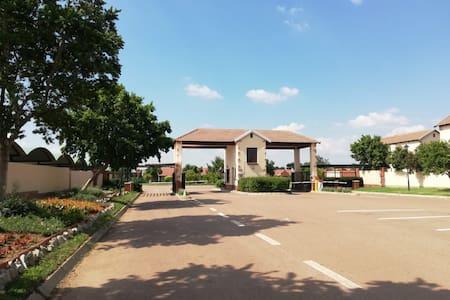 Tweeriviere Village 1,Montana Tuine,Pretoria