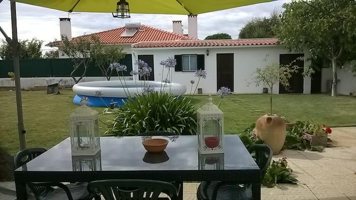 Casa com amplo jardim