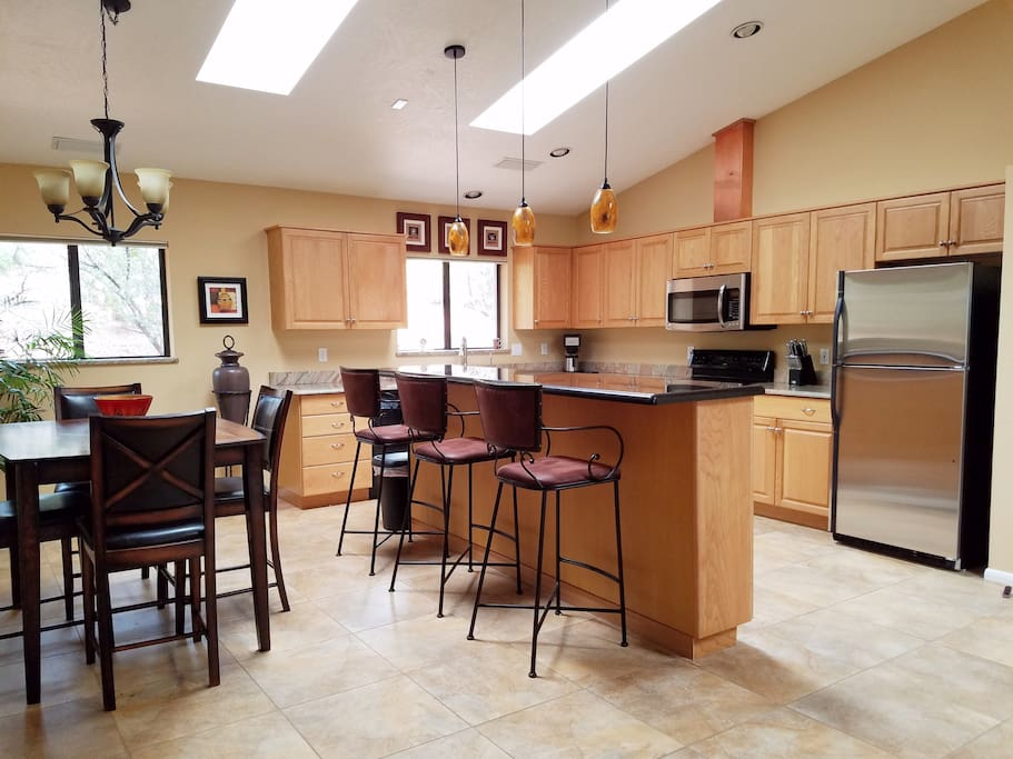Dining room and Kitchen d di