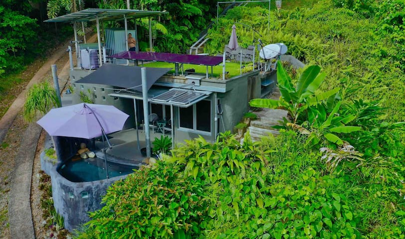 EarthShip Daintree with Ocean Views Off The Grid