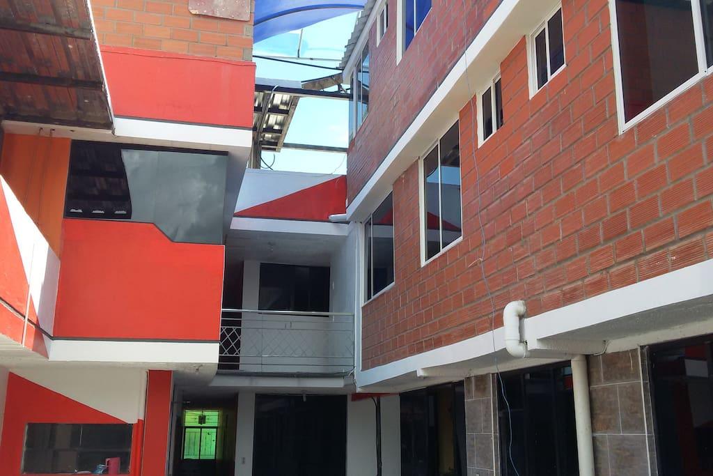 ENTRADA POSTERIOR DEL GARAGE