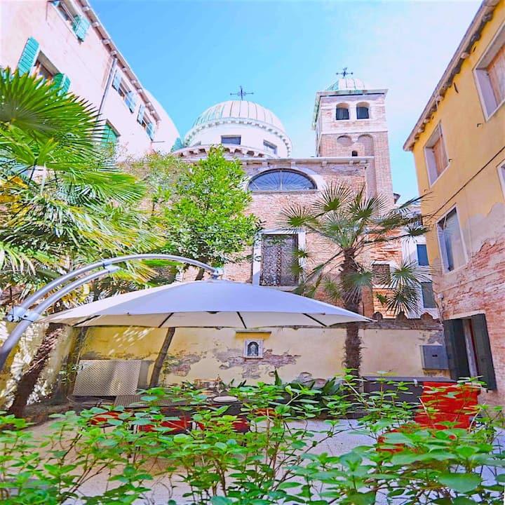Secret Haven Garden Apartment - Giardino Segreto