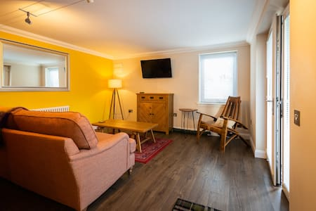 'Modern, stylish, comfortable'  1 bedroom flat