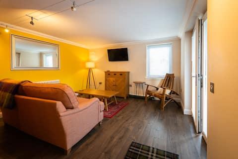 'Modern, stylish, comfortable'  1 bedroom flat