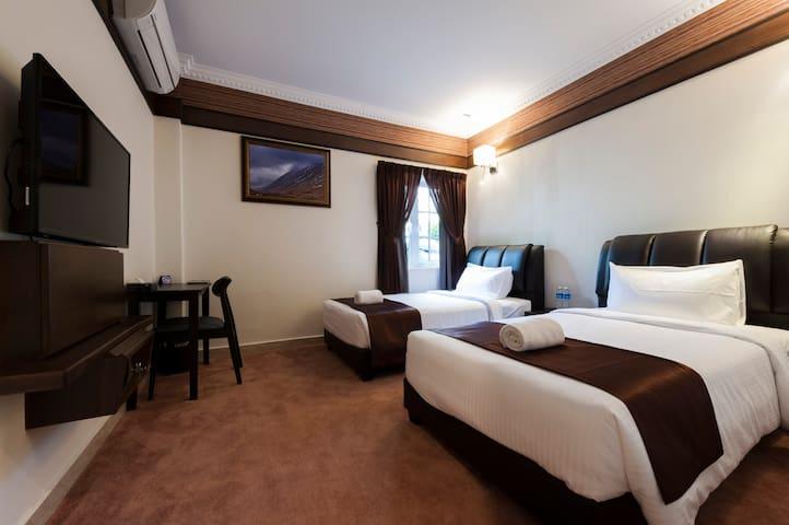 Twin Room #101 (Seriental Hotel)