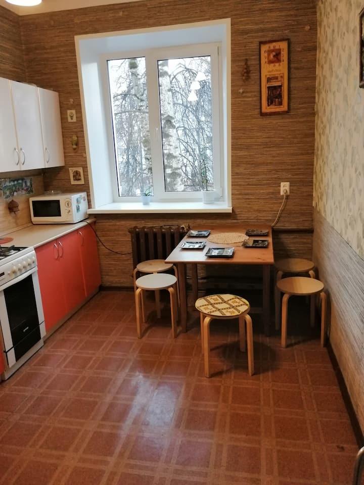 Квартира на  проспекте Гагарина, Сталинка