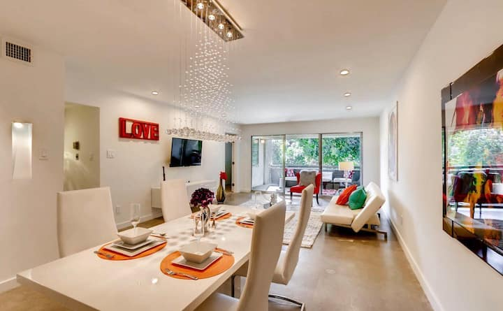 Heart of Old Town Scottsdale- Modern Luxury Palace