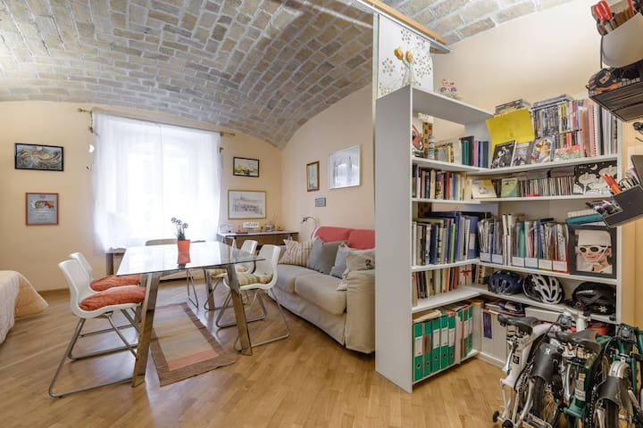 Central sweet home: live as a local